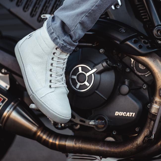 Neo – unser erster Sneaker